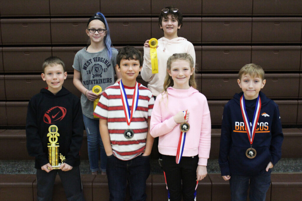 4th grade Winners (L to R) Back Row: Ava Coulter (alternate), Emily McBee (alternate) Front Row: Coltin Myers (1st), Tye Mason (2nd), Emma King (3rd), Odin Vucelik (4th)