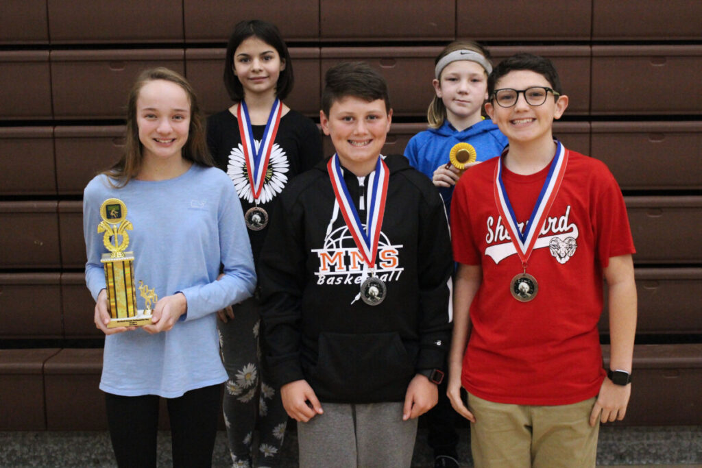 6th grade Winners (L to R) Back Row: Sophia Crumm (4th), Sam Hanning-Keyser (alternate) Front Row: Kaylee White (1st), Kayden Knapp (2nd), Jasper Murrin (3rd)