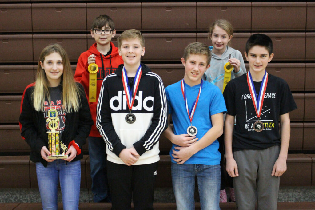 7th grade Winners (L to R) Back Row: Domenic Petrucci (alternate), Ella Naome (alternate) Front Row: Tori Finely (1st), Maverick LeMasters (2nd), Owen Anderson-Magers (3rd), Von Crall (4th)