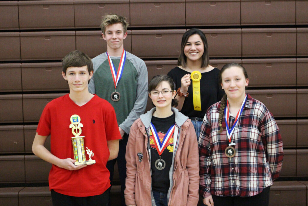 9th grade Winners (L to R) Back Row: Rhyder Dunn (4th), Ella Huynh (alternate) Front Row: Josh Dominquez (1st), Joleigh Young (2nd), Cloey Broski (3rd)