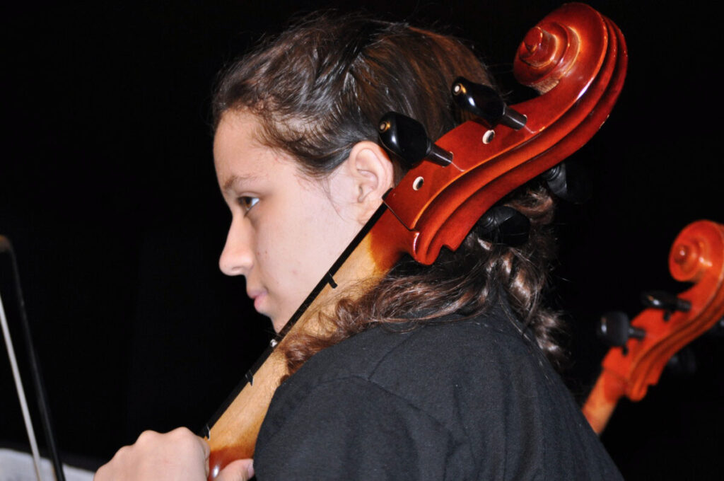 Moundsville Middle School Strings student Annadra Dudley is preparing for the upcoming concert at JM.