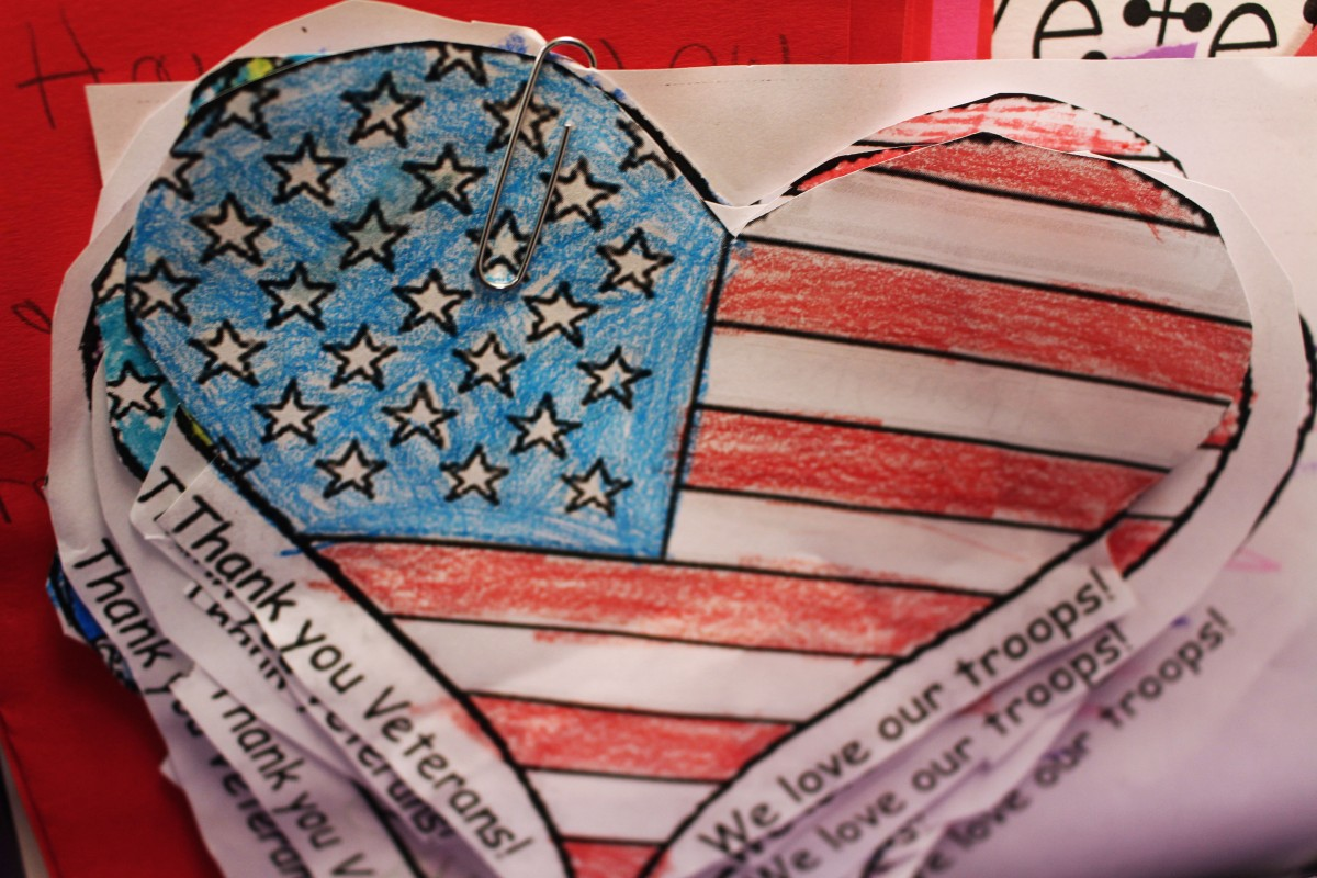 Students Send Valentine's Day Cards to Veterans